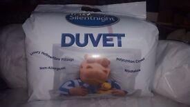 Brand New Silentnight Essentials 10.5 Tog Duvet - Double £10