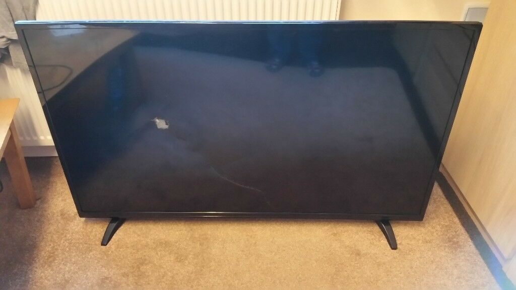 broken screen 50 inch Digihome TV smart led £60
