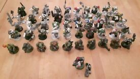 Large number of assorted Games Workshop models and parts