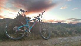 Mountain bike Banshee prime, 29er XL frame.