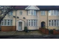MODERN 3 BEDROOM FIRST FLOOR FLAT READY TO MOVE IN CHADWEL HEATH. GOOD PART/DSS WELCOME