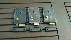 Cast iron privacy locks with keeps