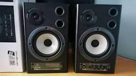 Behringer MS40 near field speakers monitors