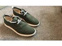 Khaki canvas men's trainers size 7 euro 42. Brand new