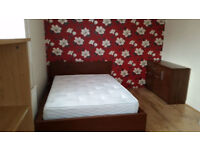 Big double room very close to Royal Victoria - great deal!