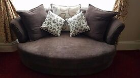 Immaculate Condition DFS Sofas