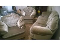 3-Piece Suite - Gold - Some damage - Free - see desc.