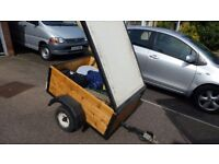 Small Trailer With Lid