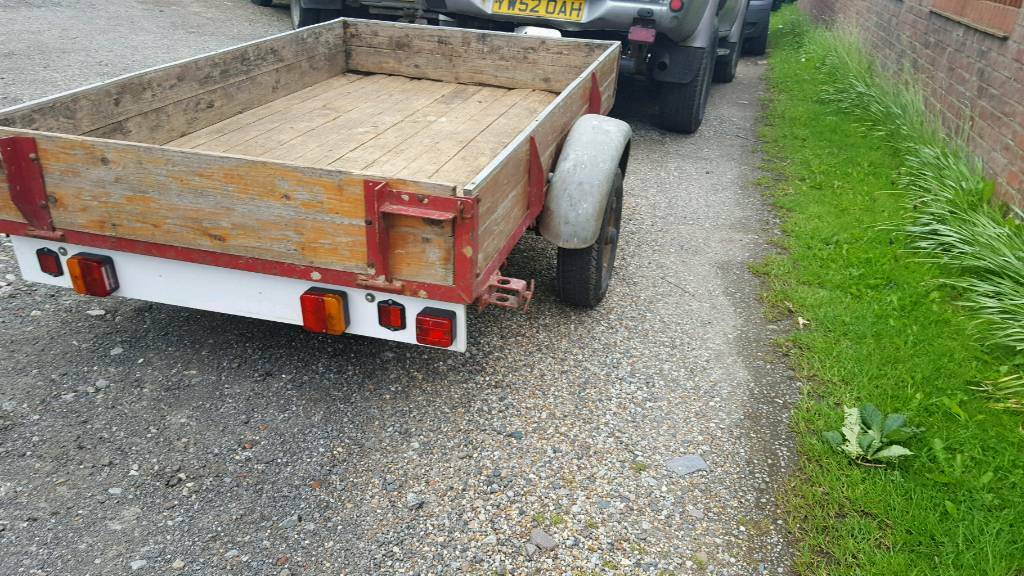 """6half ft x 50"""" trailerin York, North YorkshireGumtree - For sale as pictured in Good condition and in Good working order a lovely trailer, braked and on 6! Leaf springs. Ready now. Strensall road York"""