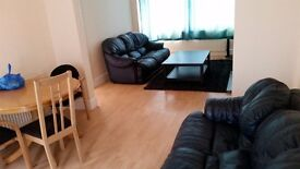 NEWLY REFURBISHED 3 BED HOUSE WITH 2 RECEPTIONS (DSS ACCEPTED)