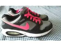 Nike air max uk size 5 vgc only worn a few times