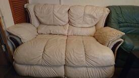 Sofa excellent condition!