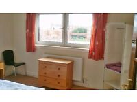 A Bedroom to Rent Directly from Landlord no Extra Charge Near City Centre G49YQ Fully Furnished