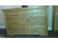LARGE SOLID OAK CHEST OF DRAWERS IN NATURAL COLOUR-6 LARGE DRAWERS-UNMARKED AND EXCELLENT CONDITION