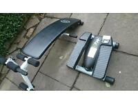 Lateral thigh trainer and exercise bench