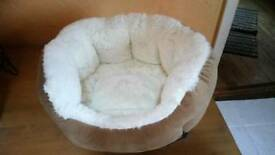 Small Cosy Cat/Dog Bed