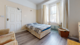 1 bedroom flat in Endsleigh Gardens, Ilford IG1