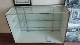 Shop glass unit