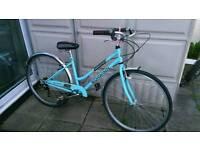 Ladies schwinn admiral retro style hybrid bike