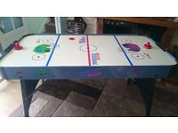 Air Hockey table and accessories in working order