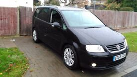 VW TOURAN 2.0 TDI AUTO DSG SPORT FULLY LOADED LEATHER NAV DVD CRUISE PARROT HANDS FREE HEATED SEATS+