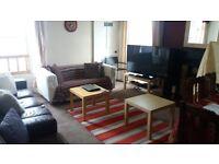 3 bedroom flat in Roxburgh Street, Newington, Edinburgh, EH89ta