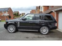 Range Rover Vogue SE 4.4 TDV8 with Rear Entertainment Pack and Electric Steps