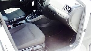 2015 Volkswagen Jetta Trendline 2.0 6sp at Former Daily Rental Kitchener / Waterloo Kitchener Area image 12