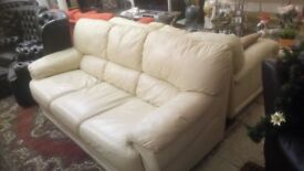 Cream three seater sofa, very comfy ONLY £85 CHEAP local DELIVERY Stalybridge SK15 3DN