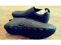 New Cotton traders slip-on leather shoes. 10 , 9 .