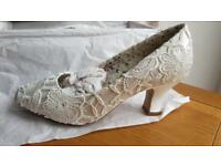 Perfect Mable Ivory Lace Vintage Bridal Shoes Brand New