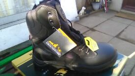 Groundwork hi safety boots lacing and zip sizes 7,8,9,10,11,12 and 13 steel toe