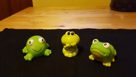 Set of 3 happy frogs. Only £1.50