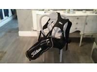 Titelist quiver /half bag excellent condition.