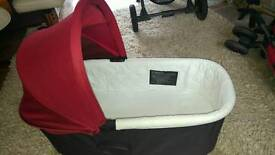City Jogger Delux carrycot