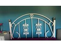 WHITE METAL DOUBLE BED.