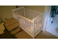 baby/toddler adjustable crib with mattress