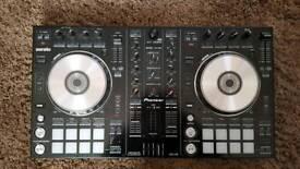 Pioneer Serato DDJ-SR Performance DJ Controller/ Decks