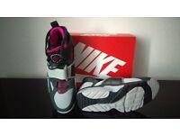 Brand new boxed Nike Huaraches size 10