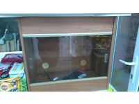 vivarium with glass sliding doors, heat mat, light and lock