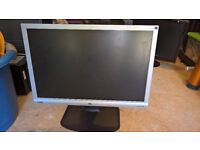 "22"" TFT LCD BenQ G2200WT 1680 x 1050 LCD monitor"