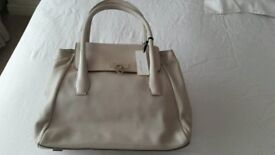Brand new Bailey and Quinn cream leather handbag
