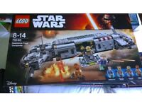 LEGO 75140 RESISTANCE TROOP TRANSPORTER ALL SEALS INTACT. PRINCESS LEIA, ADMIRAL ACKBAR AND 2 OTHERS