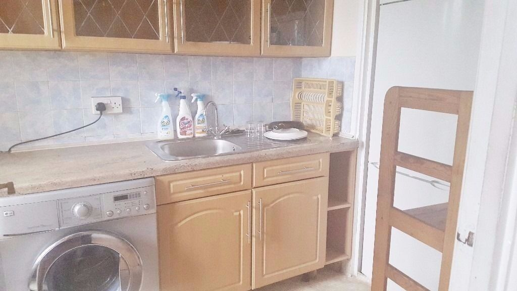 """Large Two Bedroom flat located in Bush Hill Park / Enfield North London """"Dss Accepted"""""""