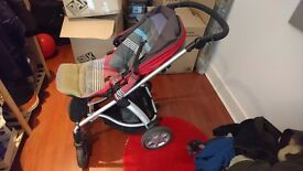 Mamas&papas pushchair in very good condition. Very smooth and comfortable for babies and toddlers.