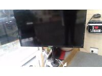 tv Blaupunkt aprox 32 Inch with stand and screws used amazing condition