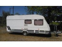 Lunar Chateau 500 Touring Caravan Year 2003 in very good condition Many Extras included