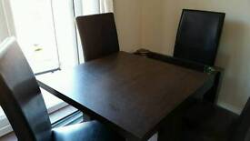 NEXT 4 to 6 extending table, with 4 chairs