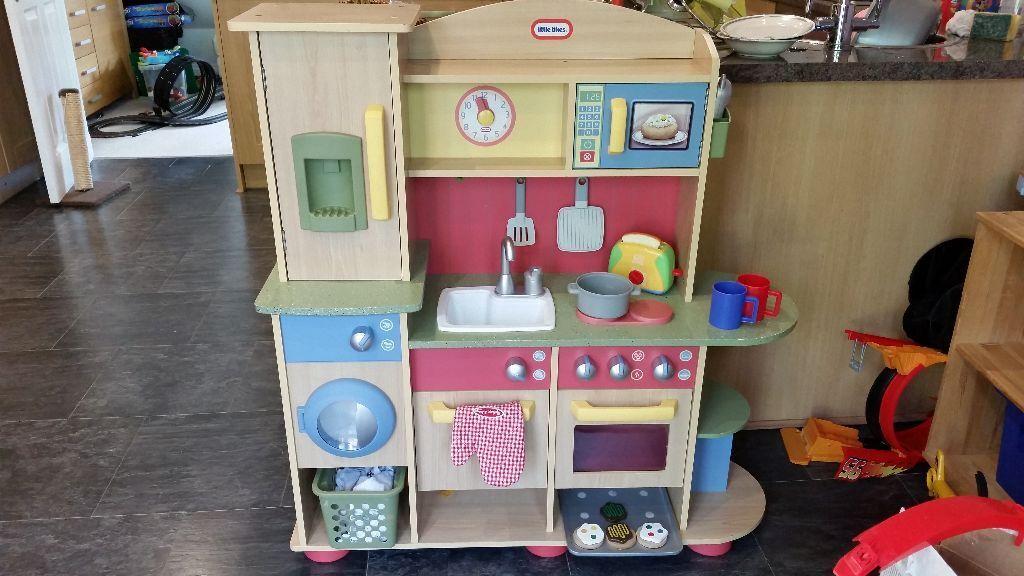 Little Tikes Cookin Creations Premium Wooden Kitchen In