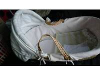 Moses basket with sheets